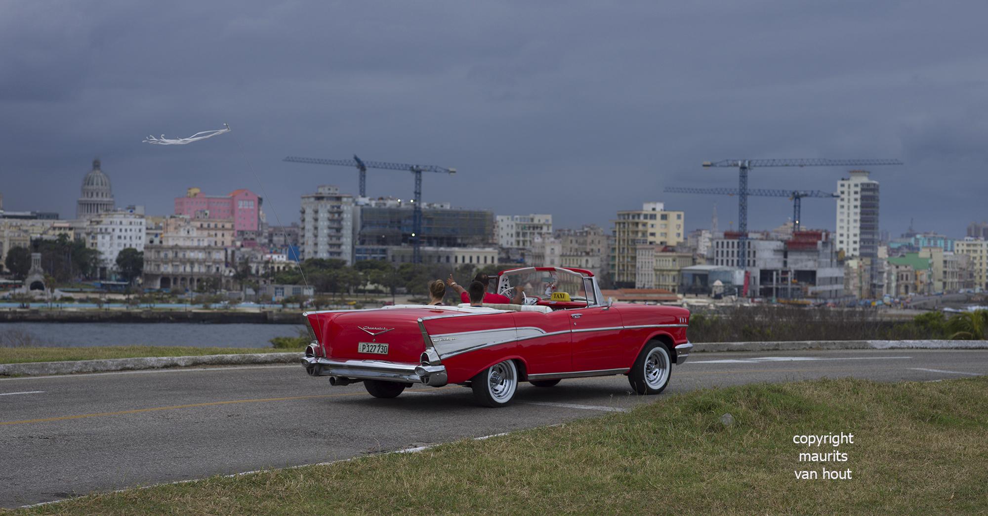 Cuba, Havana skyline by Dutch photographer Maurits van Hout