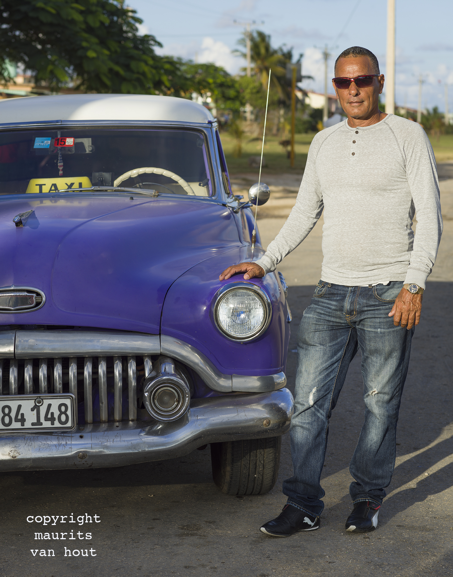 portrait of a man, Varadero Cuba, by Dutch photographer Maurits van Hout