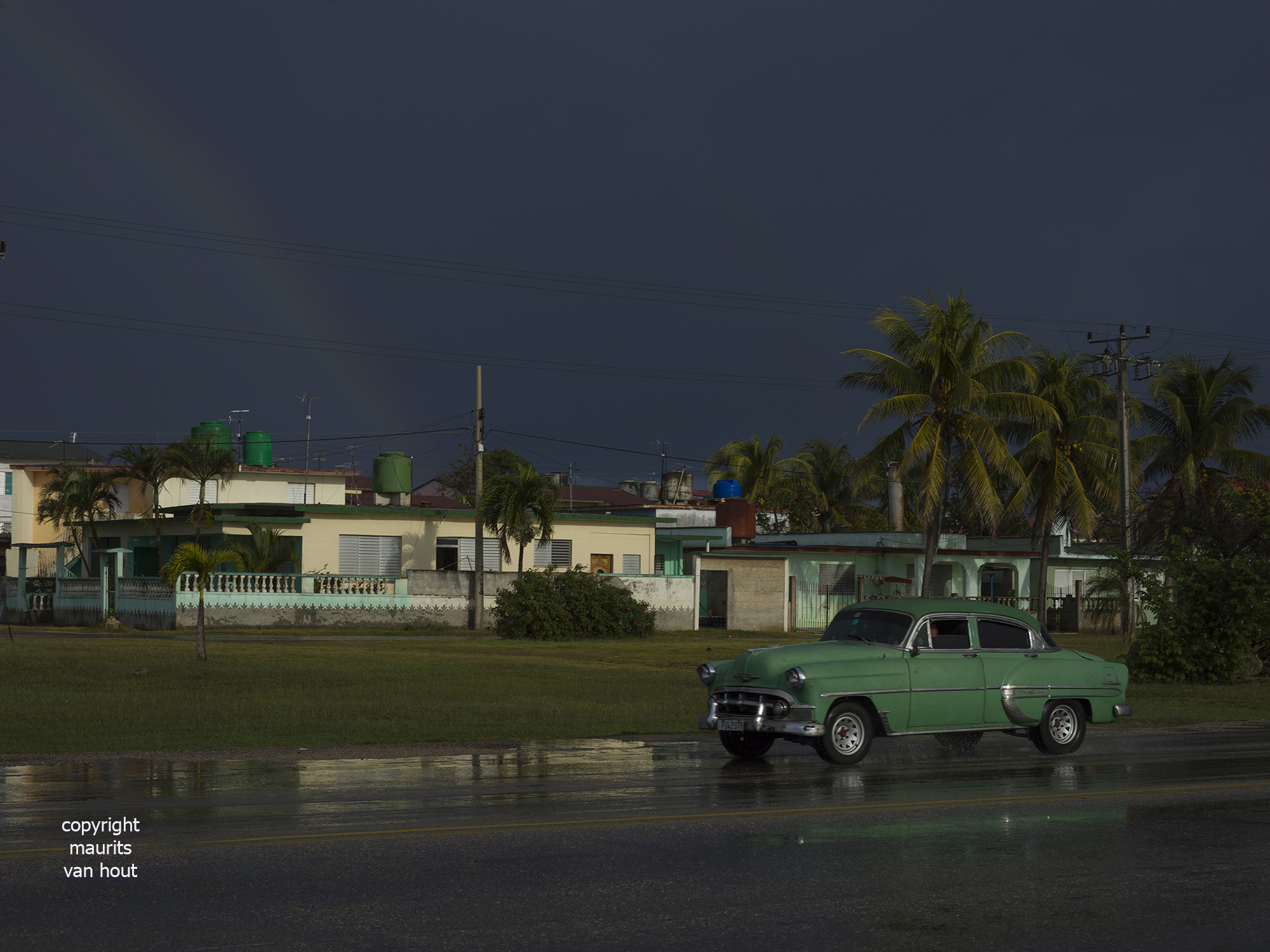 Cuba, classic car by photographer maurits van hout