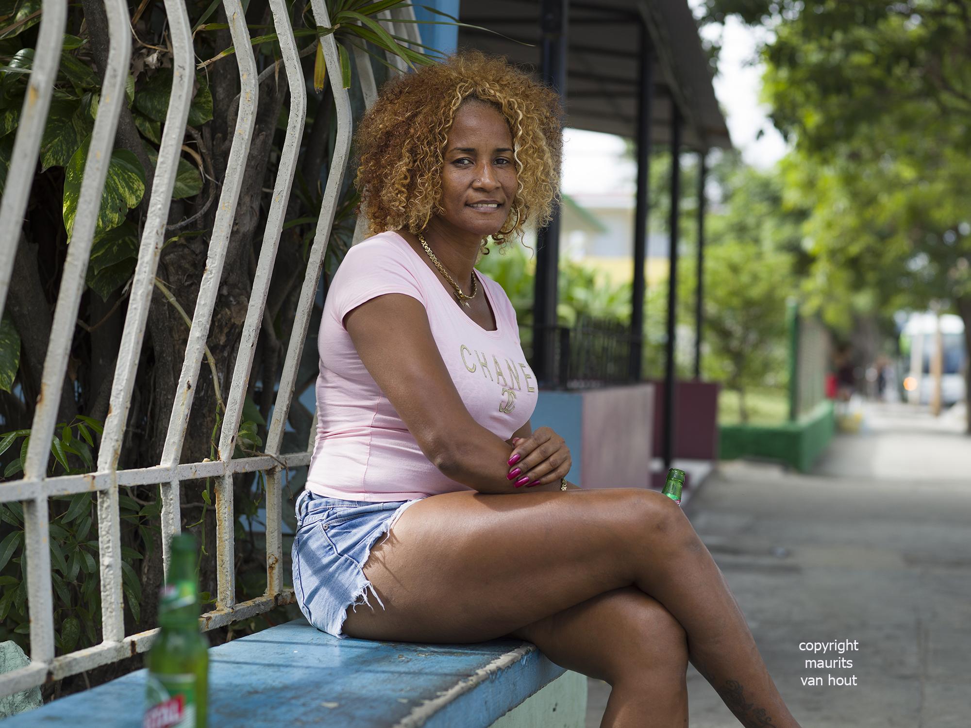 portrait of a woman, Varadero Cuba, by Dutch photographer Maurits van Hout
