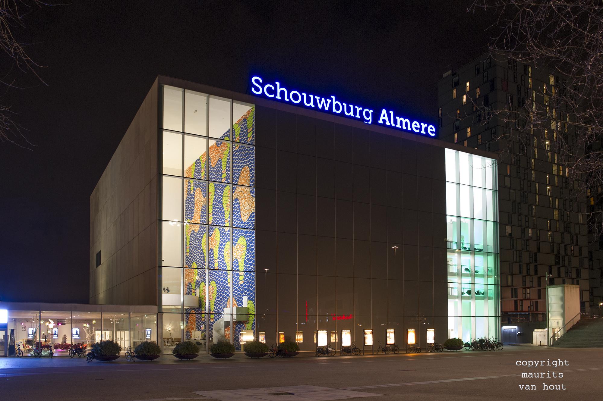 Almere schouwburg gefotografeerd door architectuurfotograaf maurits van hout