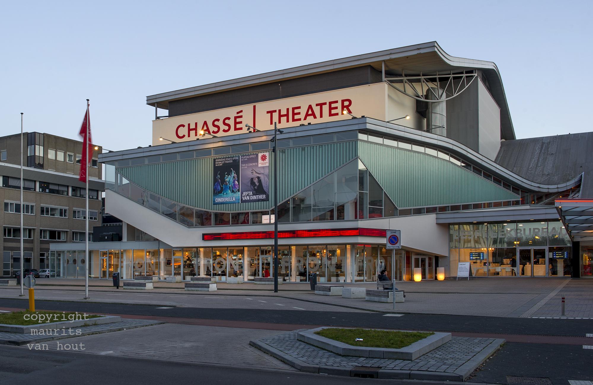 Chassétheater Breda gefotografeerd door architectuurfotograaf Maurits van Hout uit Den Haag