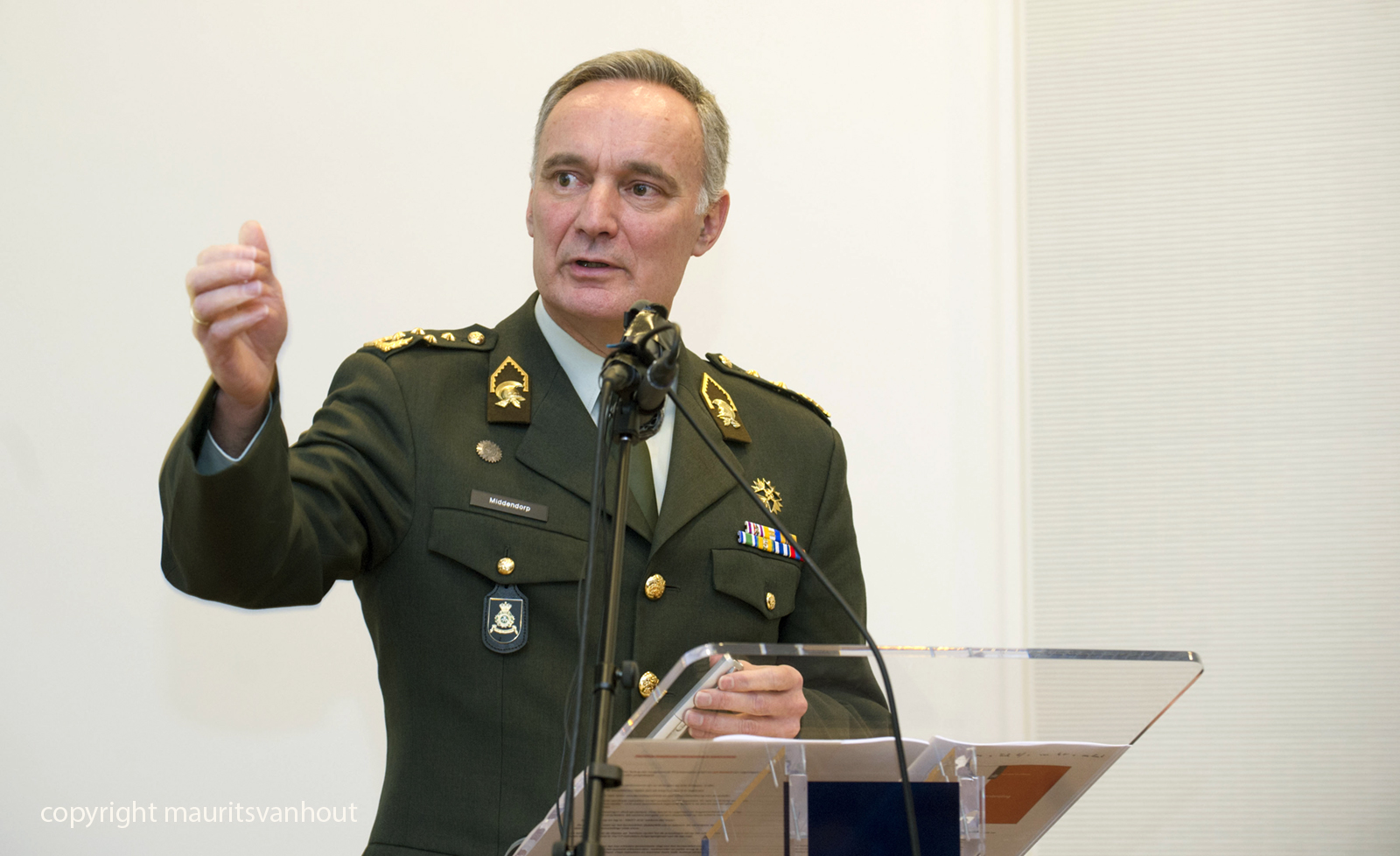 portret commandant der Strijdkrachten