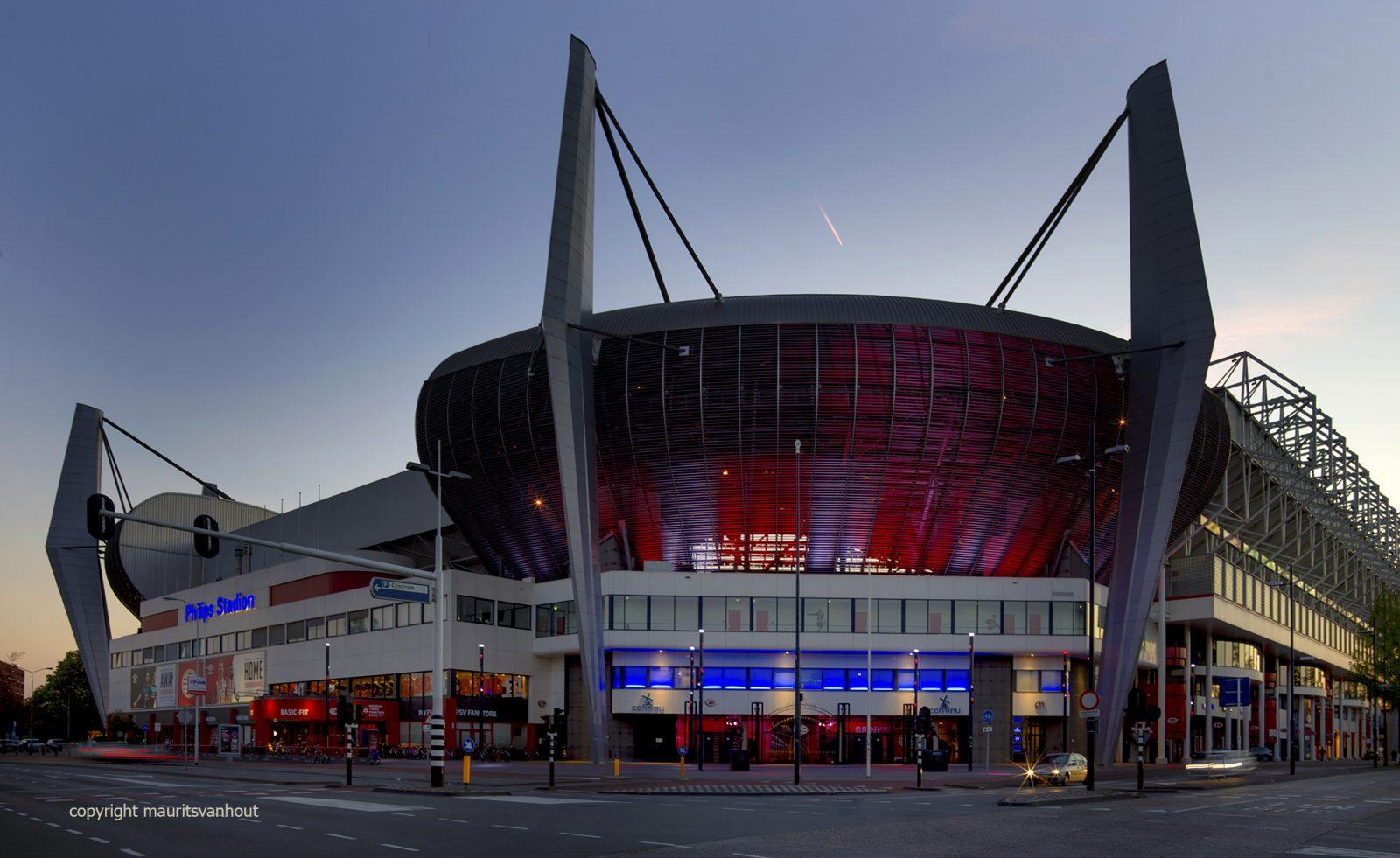 Eindhoven, PSV Stadion, zonsondergang